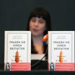 Die Bestatterin Caitlin Doughty stellt ihr Buch vor / Paul Zinken © dpa