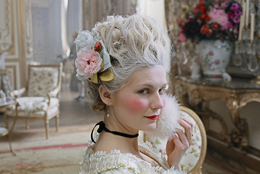 "Kirsten Dunst in dem Film ""Marie Antoinette"" © picture alliance/Mary Evans Picture Library"