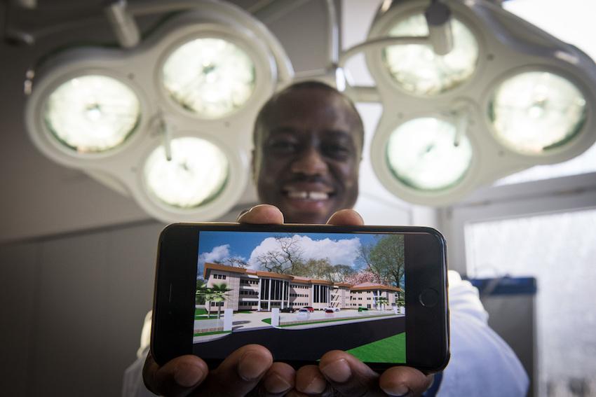 Stein für Stein – Dortmunder Arzt baut Klinik in Ghana