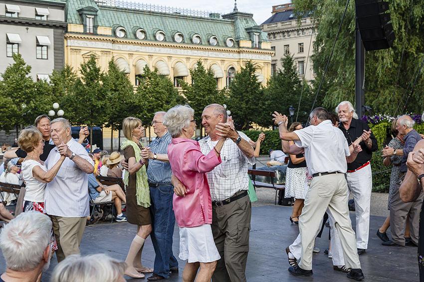 Watscheln bis Hinken:Was bei einer Gangstörung zu tun ist