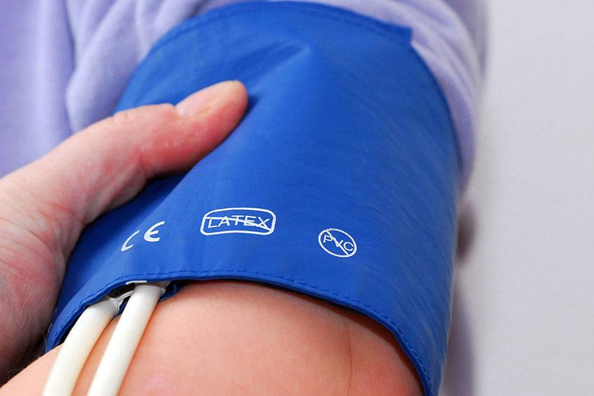 Studie: Mit dem Friseur Bluthochdruck senken