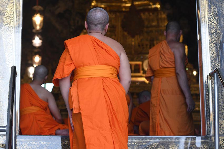 Dickes Problem – Thailands Mönche sollen abnehmen